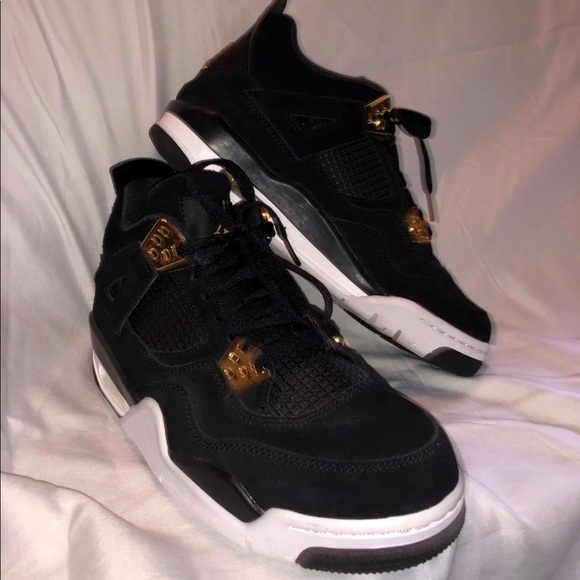 c63450e1c098 Jordan Shoes - Black And Gold Jordan Retro 4 Women s 7.5